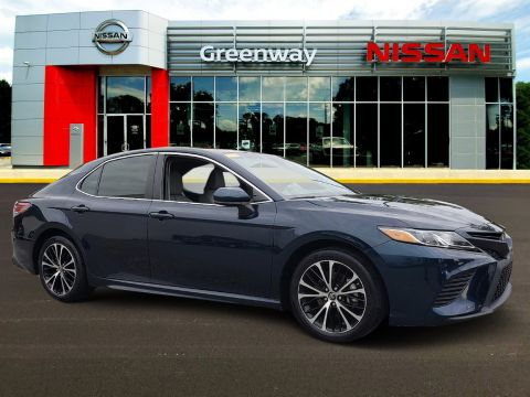 Pre-Owned 2018 Toyota Camry SE FWD 4dr Car